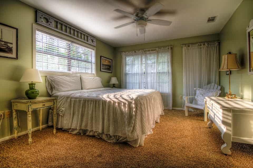 Központban a praktikus hálószoba bútor