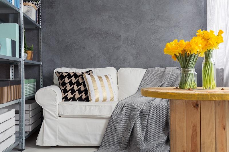 A kis nappali berendezése komoly kihívás, de csodás a végeredménye